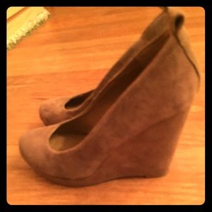 Aldo wedge heels. Worn only once!